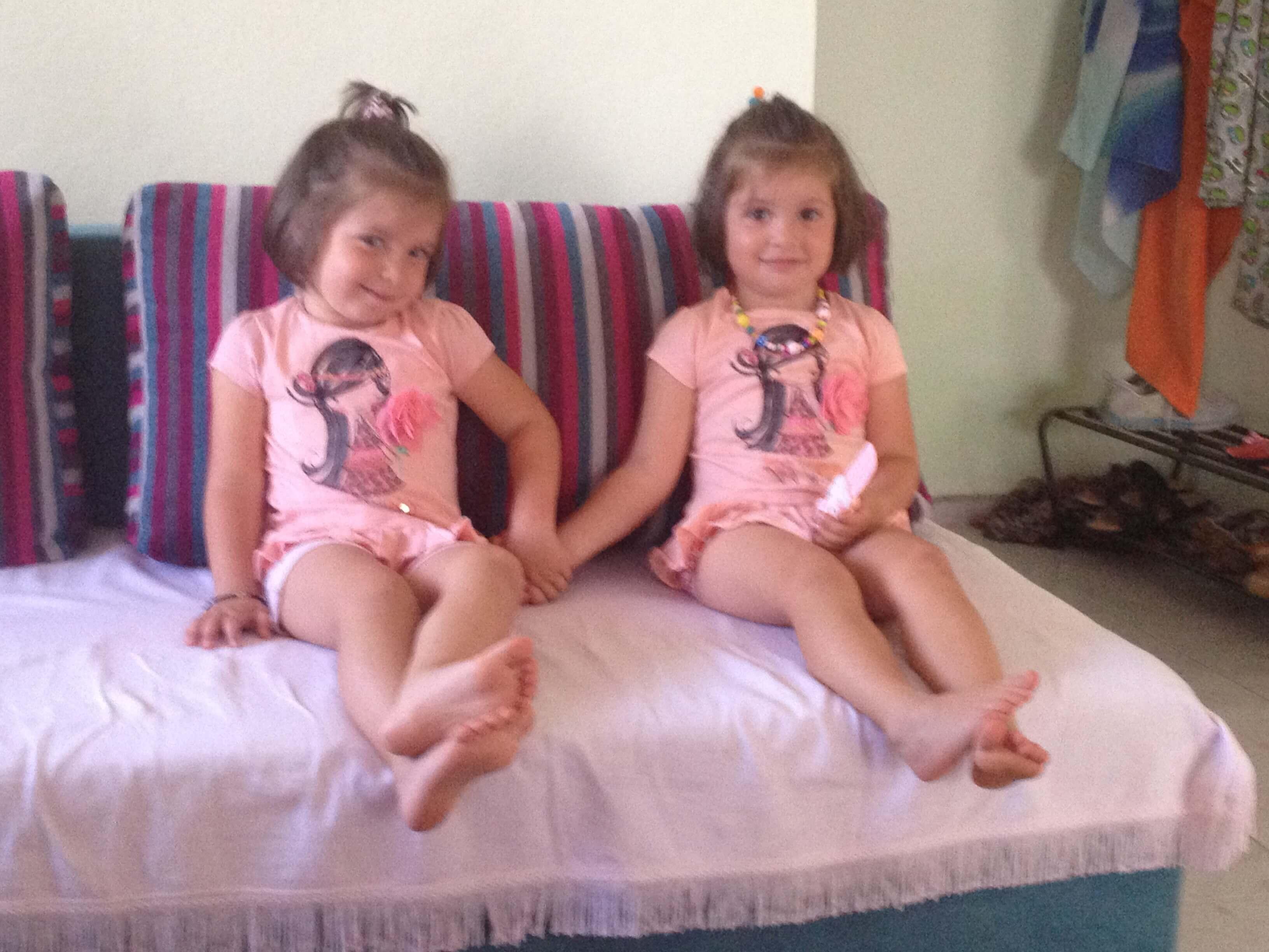 İkiz Kızlarım Masal ile Hayal